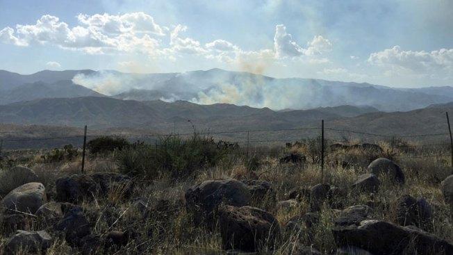 Lucha para controlar incendio Rattlesnake