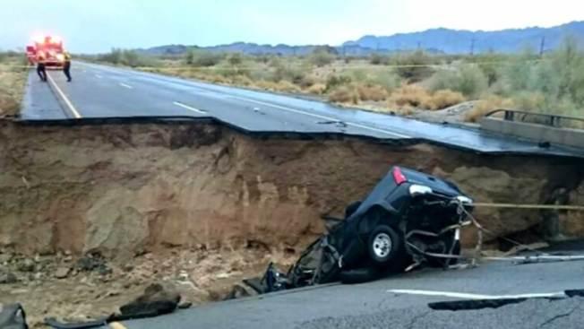 Conductores enfrentan caos tras caída de puente
