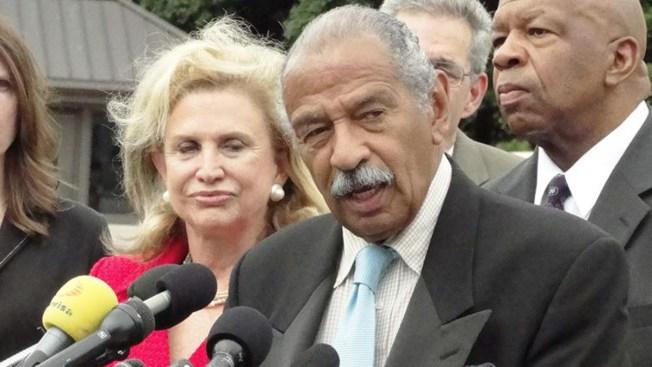 Congresista denunciado por abuso sexual anuncia su retiro