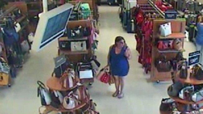 Búsqueda de mujer tras robo masivo de carteras