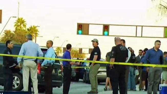 Mueren dos hombres tras tiroteo contra policía