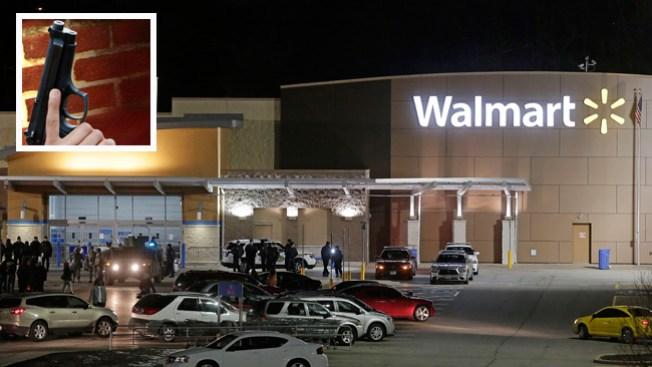 Tiroteo en Walmart alerta a compradores
