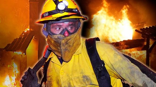 Incendio consume tres casas