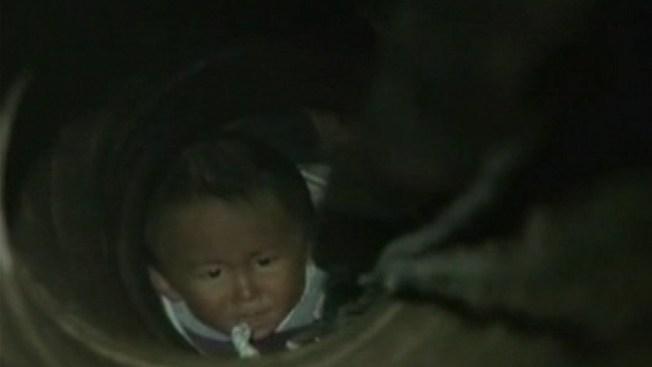 Impactante rescate de un bebé