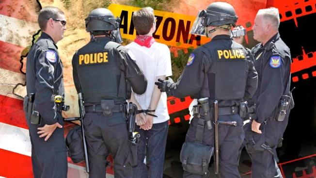 Policía y Arpaio discriminan a latinos