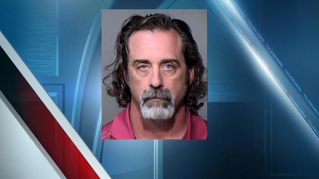 Entrenador acusado de crímenes sexuales