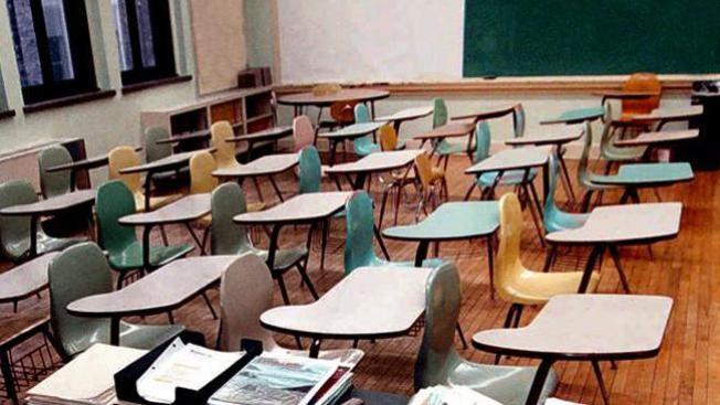 ¿Deben las escuelas registrar a sus estudiantes?