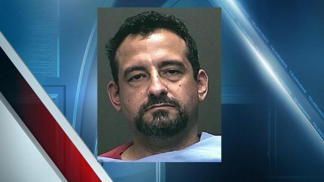 Arrestado por poseer pornografía infantil