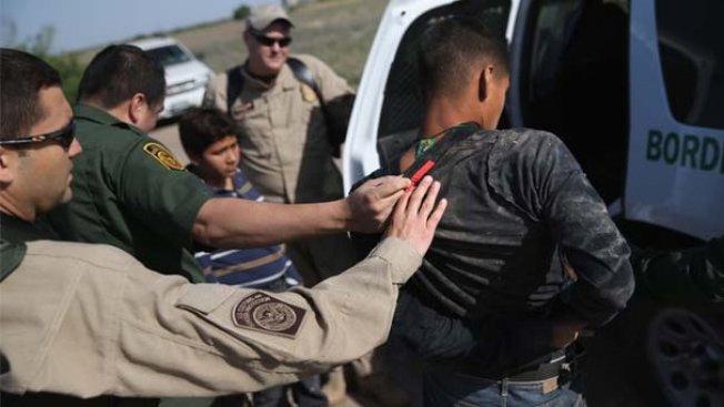 Más inmigrantes detenidos en Texas