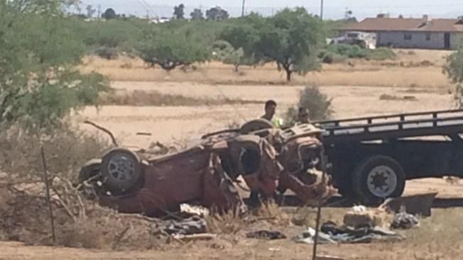 Aparatoso accidente deja 4 heridos