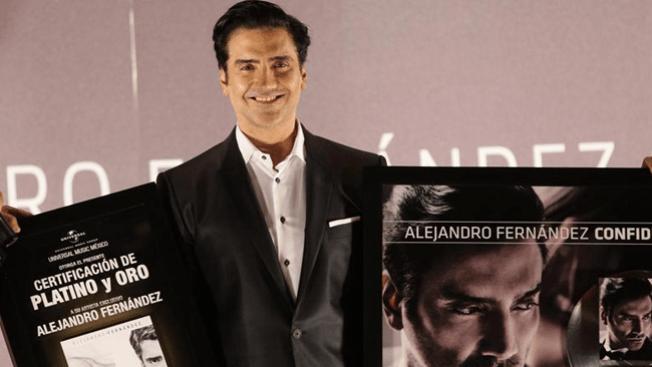 El preocupante look de Alejandro Fernández