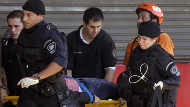 Mueren decenas al chocar tren en Argentina
