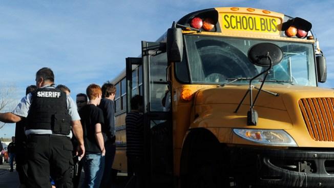 Arrestan a joven armado en escuela