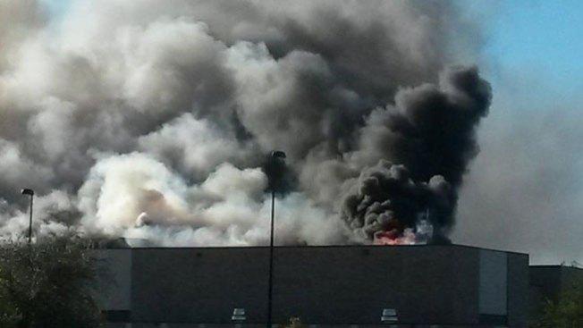 Kansas: se estrella avioneta en edificio