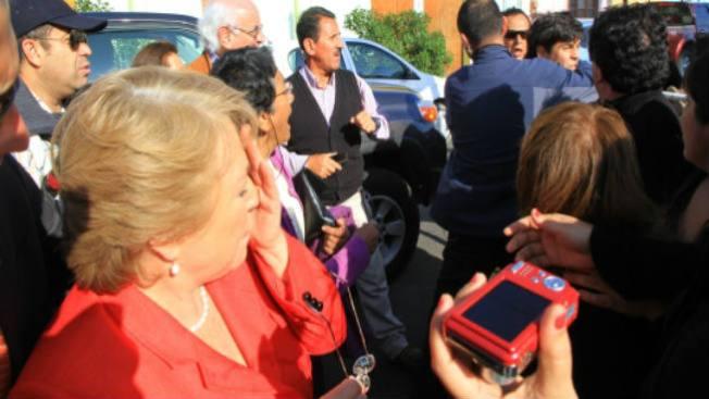Gana Bachelet, pero habrá 2a vuelta