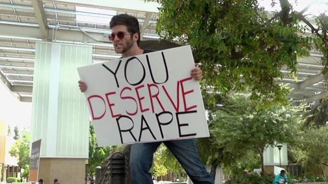 Cartel enfurece a estudiantes de ASU