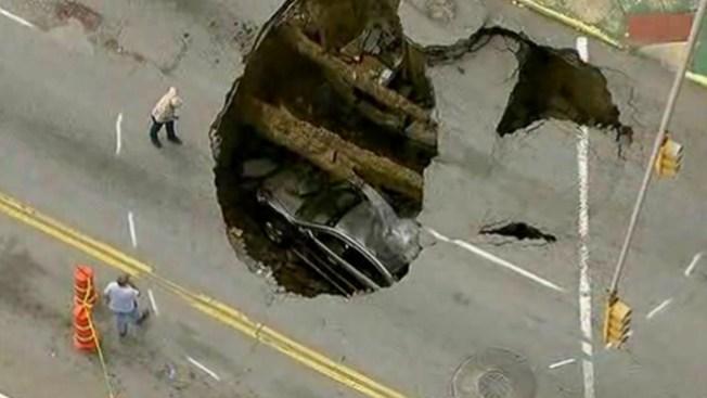 La tierra se tragó un auto en Ohio