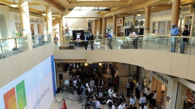 Mujer intenta suicidarse en el mall