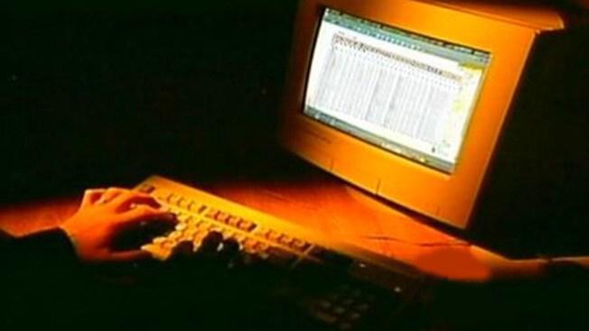 Buscan fin de depredadores cibernéticos