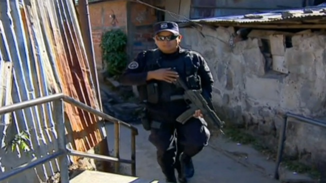 Reanudan conteo de votos en El Salvador