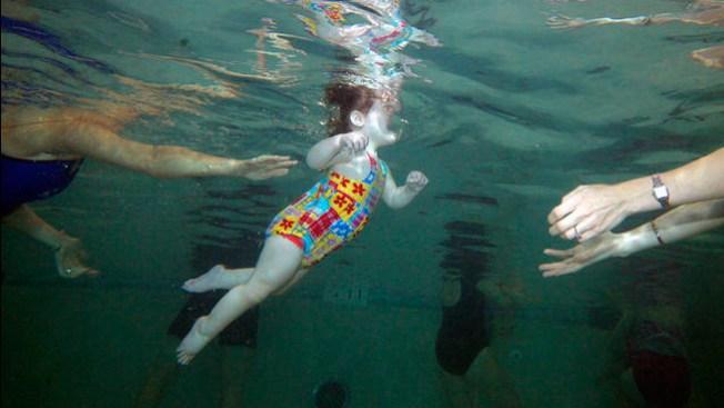 Pánico por niña ahogada en piscina