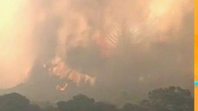 Incendio sin control arrasa zona de Chile