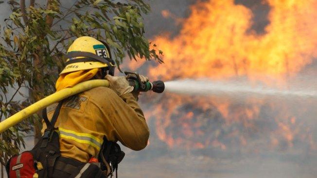 Clima ayuda lucha contra incendio