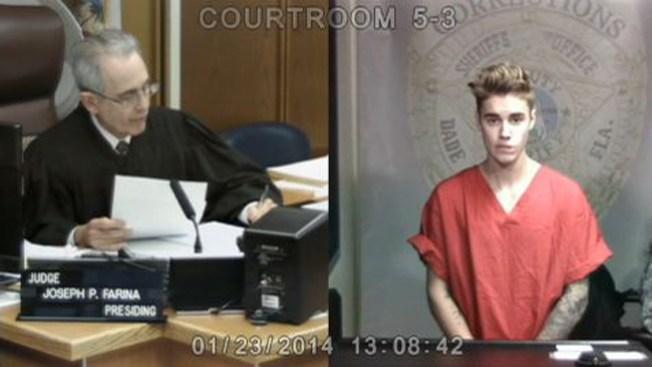 Video: Justin Bieber comparece ante el juez
