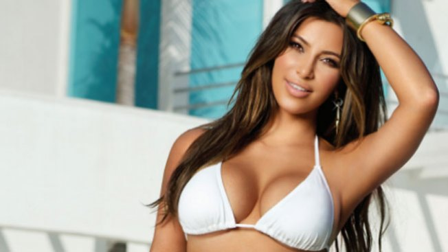 Kim Kardashian sin gota de maquillaje
