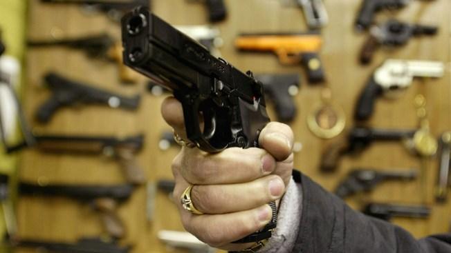 """Madre en apuros por """"pistola de juguete"""""""