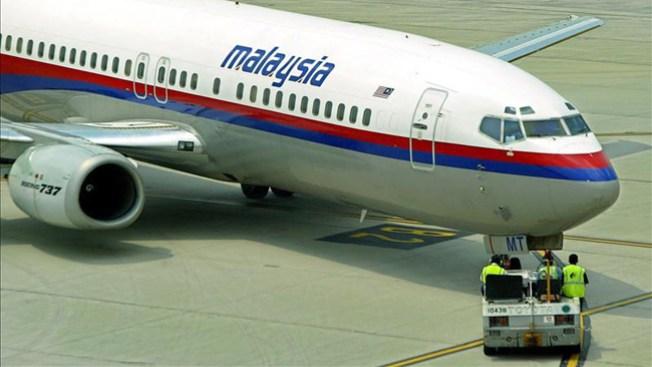 Avión perdido: hallan rastros de aceite
