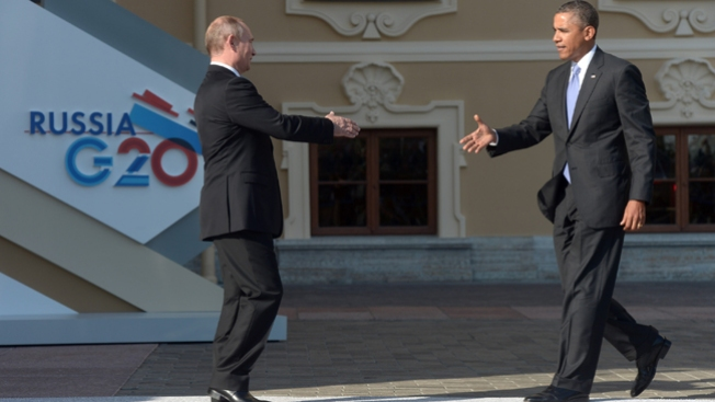 Tenso saludo entre Obama y Putin