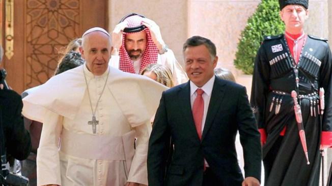 El papa Francisco llega a Jordania