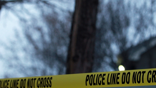 Sospechoso se suicida en hogar invadido