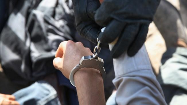 Arrestan sopechosos de múltiples robos