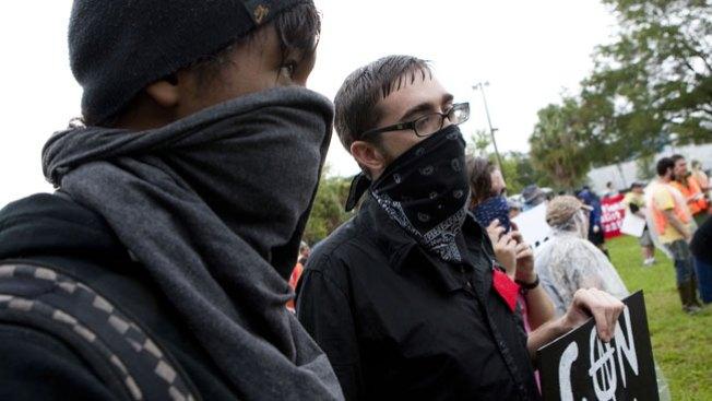 Firmes protestas en Convención