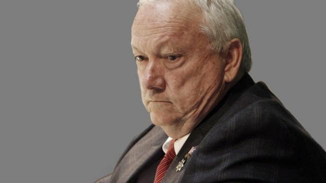 Pearce busca puesto en senado