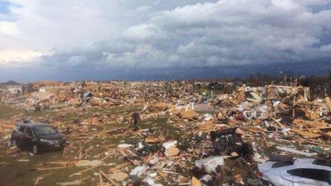 Muerte y destrucción por tornados