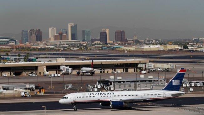Cancelan vuelos en aeropuertos de AZ