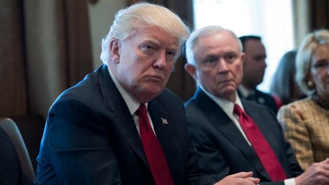 Trump fustiga de nuevo al fiscal general Sessions