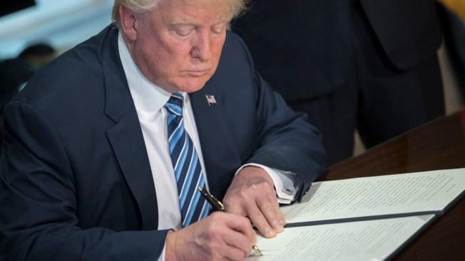 Bloquean orden de Trump que recortaría financiamiento a ciudades santuario