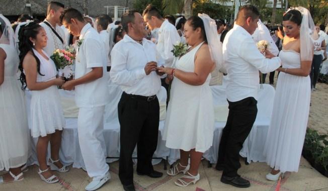 Boda masiva: 250 parejas se casan en Acapulco
