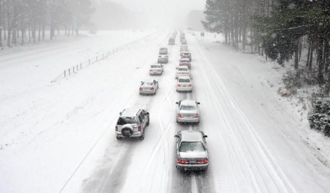 Peligrosa nieve azota este del país