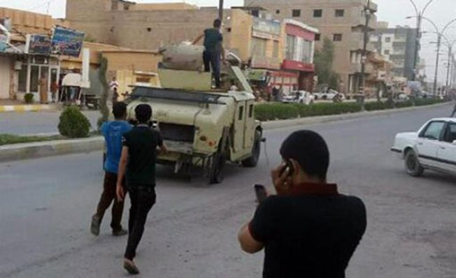Irak: Rebeldes toman la mayor refinería