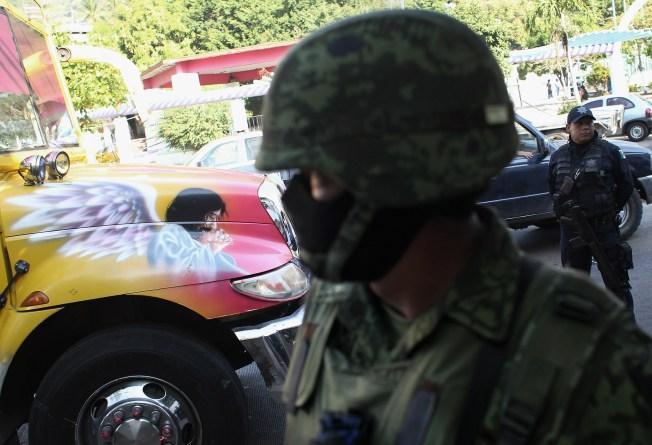 México cambia versión sobre matanza