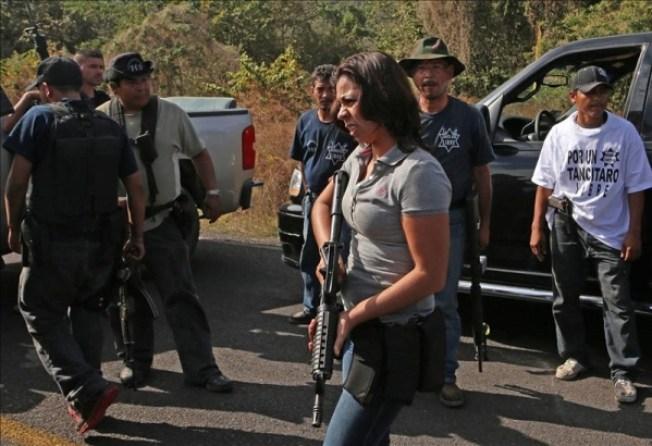 Autodefensas rechazan desarmarse
