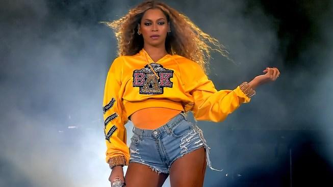 Beyoncé dona $100,000 a universidades